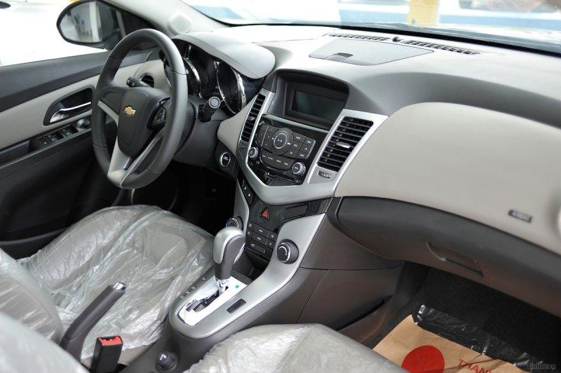 Bán xe Chevrolet Cruze  2014 mới tại Hà Nội giá 649 Triệu-4