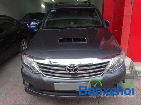 Cần bán Toyota Fortuner 2.5G đời 2013, màu xám số sàn, giá 890Tr-0