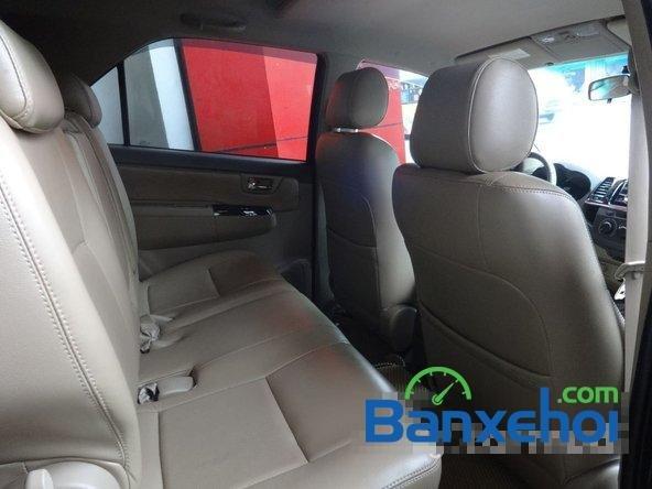 Cần bán Toyota Fortuner 2.5G đời 2013, màu xám số sàn, giá 890Tr-7