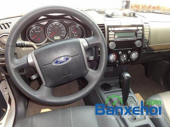 Salon Auto Quốc Toản bán Ford Everest đời 2013, màu trắng-6
