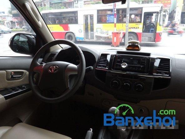 Cần bán Toyota Fortuner 2.5G đời 2013, màu xám số sàn, giá 890Tr-8