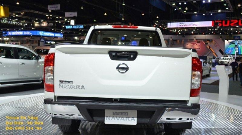 Bán ô tô Nissan Navara NP300 2.5L đời 2015, màu trắng, nhập khẩu-2