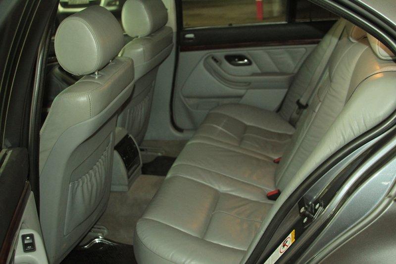 Bán xe BMW 5 Series 525i 2003 cũ tại TP HCM giá 400 Triệu-6