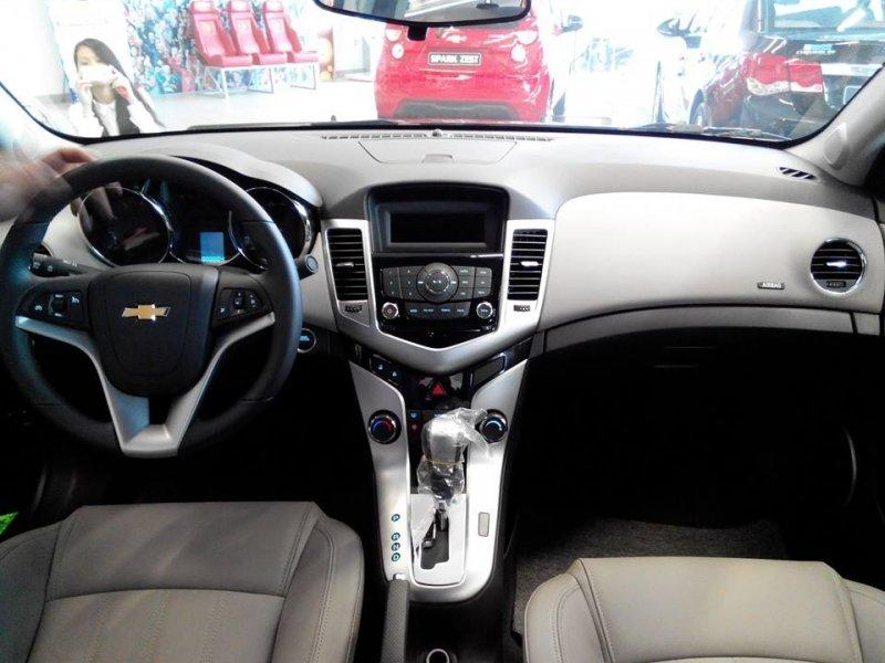 Bán xe Chevrolet Cruze LTZ 2015 mới tại TP HCM giá 622 Triệu-2