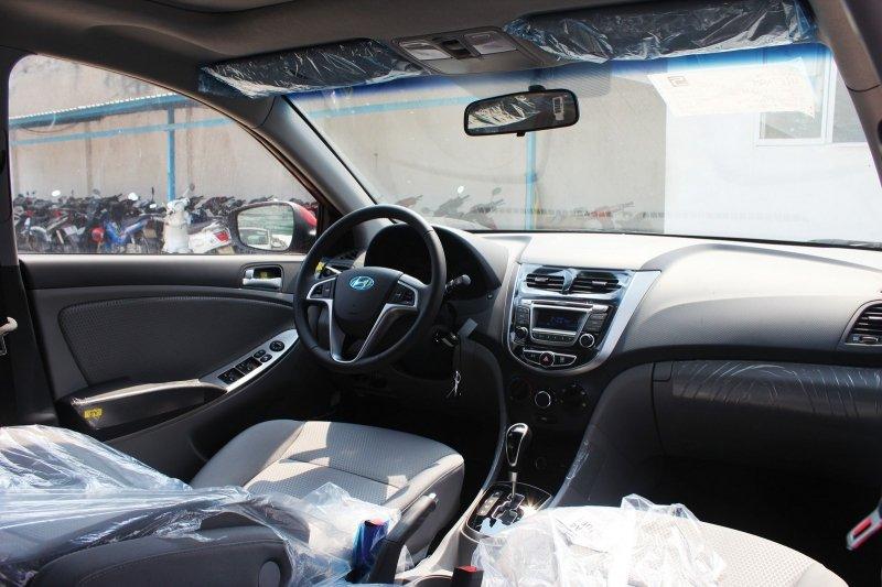 Bán xe Hyundai Accent 1.4 5 cửa 2015 mới tại TP HCM giá 569 Triệu-6
