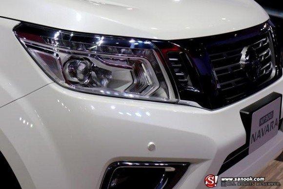 Bán ô tô Nissan Navara NP300 2.5L đời 2015, màu trắng, nhập khẩu-6