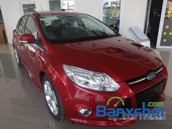 Bán ô tô Ford Focus đời 2014, màu đỏ giá 828 triệu-1