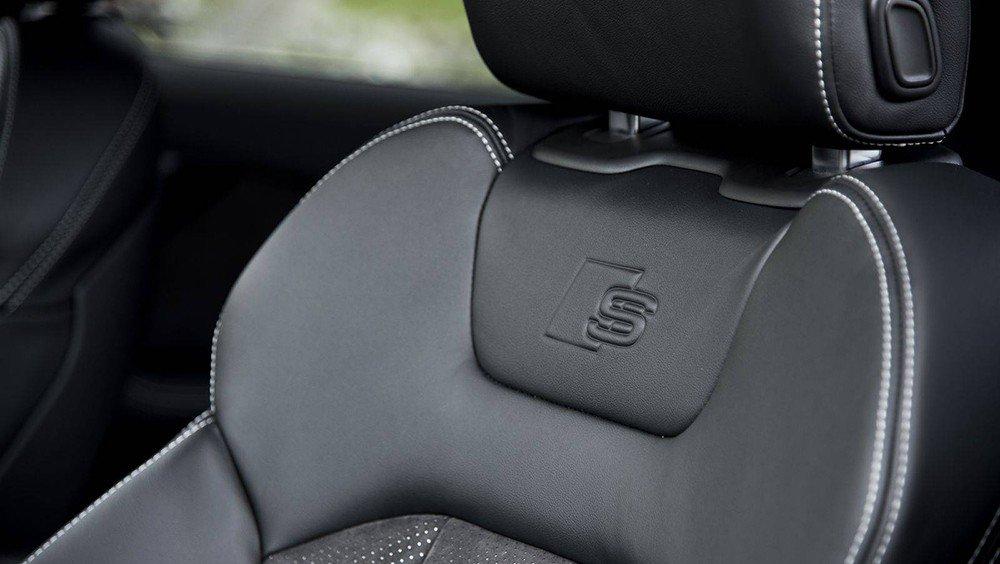 Thiết kế ghế ngồi độc đáo của Audi Q7 2016.