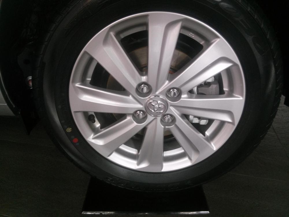 Bán Toyota Vios 1.5E đời 2015, màu bạc  -4
