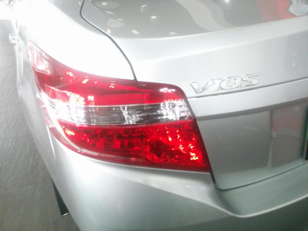 Bán Toyota Vios 1.5E đời 2015, màu bạc  -3