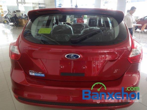 Bán ô tô Ford Focus đời 2014, màu đỏ giá 828 triệu-4