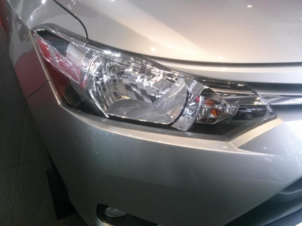 Bán Toyota Vios 1.5E đời 2015, màu bạc  -1