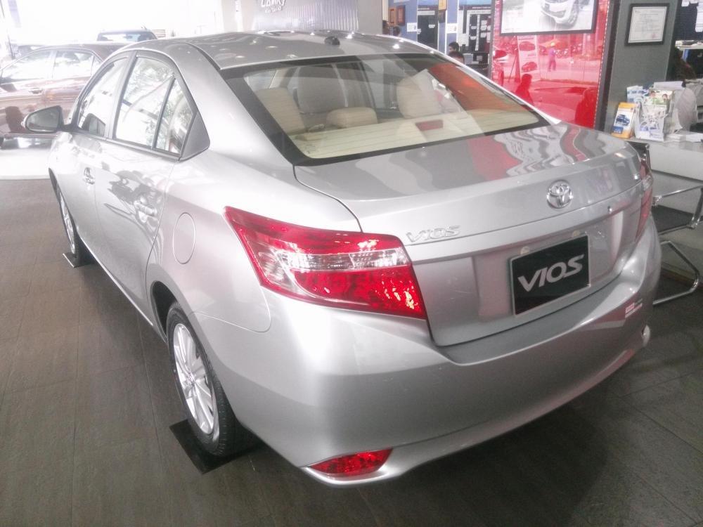 Bán Toyota Vios 1.5E đời 2015, màu bạc  -2