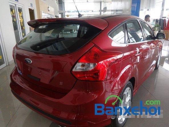 Bán ô tô Ford Focus đời 2014, màu đỏ giá 828 triệu-3