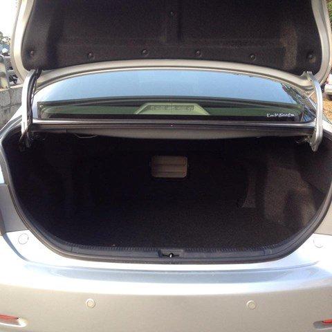 Cần bán Toyota Camry 2.4 đời 2010, màu bạc còn mới-3