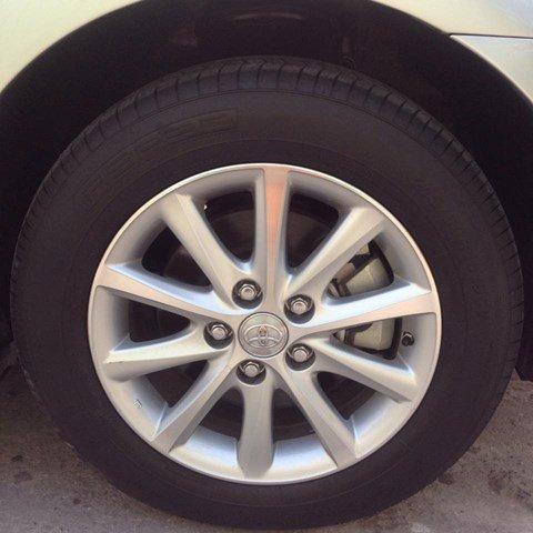 Cần bán Toyota Camry 2.4 đời 2010, màu bạc còn mới-5