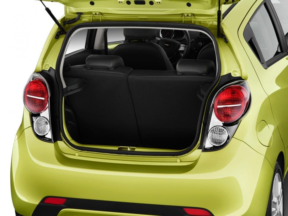 Đánh giá khoang hành lý xe Chevrolet Spark 2016