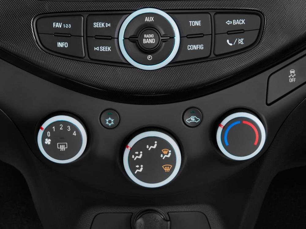 Đánh giá nội thất xe Chevrolet Spark 2016