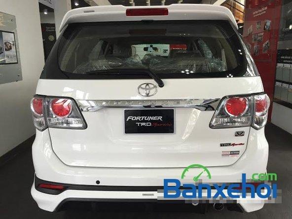 Bán xe Toyota Fortuner 2.7V năm 2015, màu trắng giá 1,019 tỉ-3