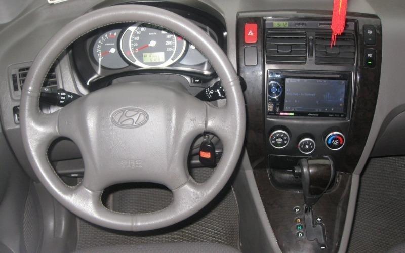 Hyundai Tucson 4WD đời 2010, màu đen, nhập khẩu chính hãng, 555 triệu-3