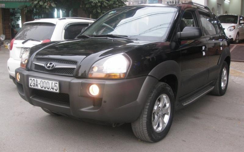 Hyundai Tucson 4WD đời 2010, màu đen, nhập khẩu chính hãng, 555 triệu-1