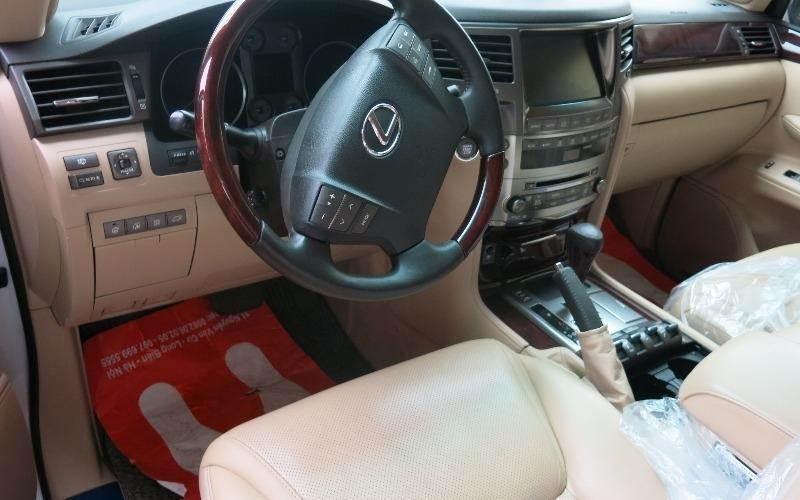 Bán xe Lexus LX 570 đời 2011, màu trắng, nhập khẩu  -4