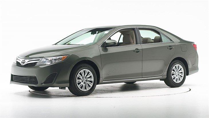 Cần bán xe Toyota Camry đời 2014, màu trắng -6