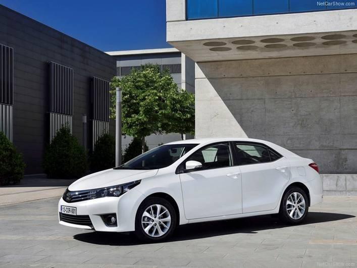 Cần bán Toyota Corolla altis 2014, nhập khẩu chính hãng -8