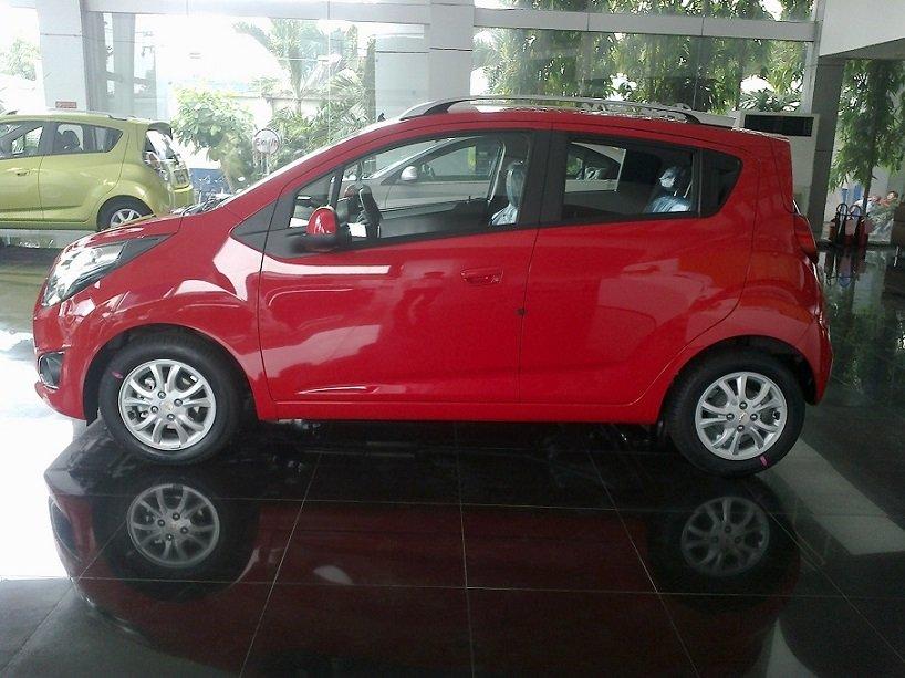 Cần bán Chevrolet Spark đời 2014, màu đỏ-0