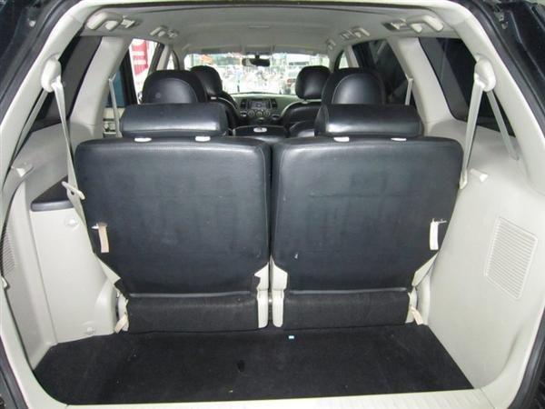 Cần bán Mitsubishi Grandis đời 2009, màu đen, xe đẹp như mới-9