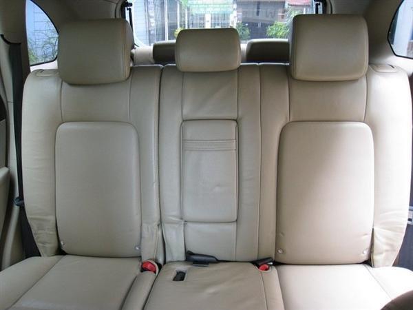 Cần bán gấp Chevrolet Captiva 2007, màu đen, xe đẹp như mới mua-7