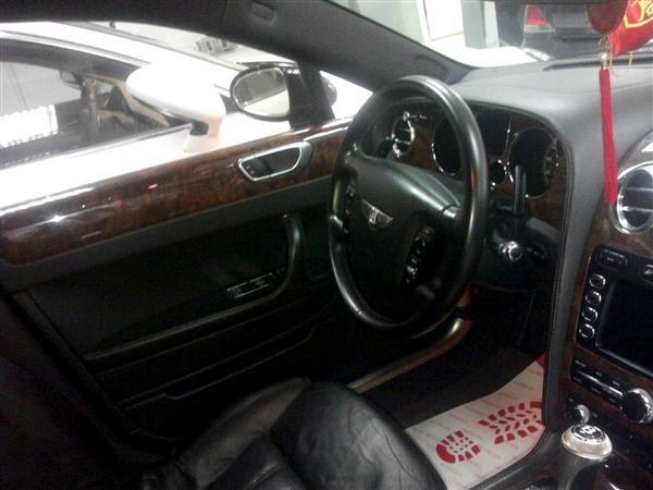 Bentley Continental đời 2008, màu đen, nhập khẩu nguyên chiếc-5