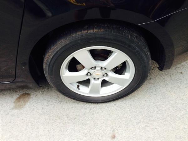 Chevrolet Cruze đời 2012, màu đen còn mới-4