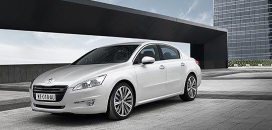 Cần bán xe Toyota Camry đời 2014, màu trắng -8