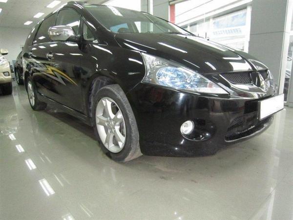 Cần bán Mitsubishi Grandis đời 2009, màu đen, xe đẹp như mới-1