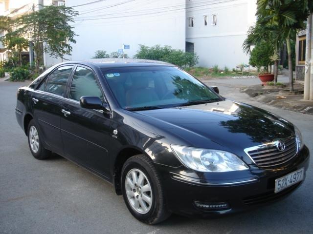 Cần bán xe Toyota Camry đời 2004, màu đen số sàn-5