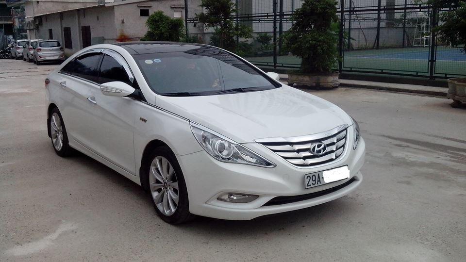 Cần bán gấp Hyundai Sonata năm 2011, màu trắng -0