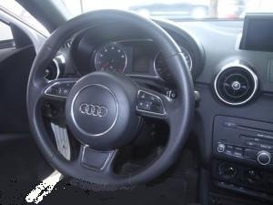 Cần bán Audi A1 đời 2010, màu trắng, xe nhập số tự động  -4