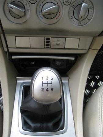 Xe Ford Focus đời 2010, màu xám, xe đẹp như mới-8