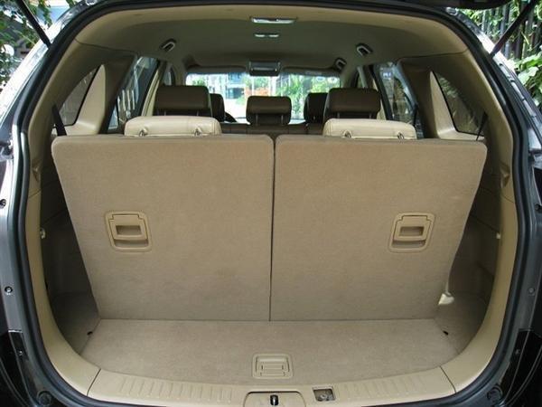 Cần bán gấp Chevrolet Captiva 2007, màu đen, xe đẹp như mới mua-6