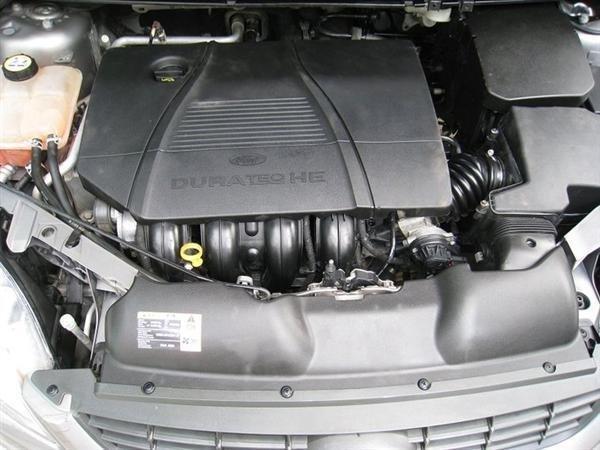 Xe Ford Focus đời 2010, màu xám, xe đẹp như mới-5
