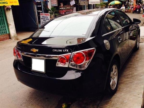 Chevrolet Cruze đời 2012, màu đen còn mới-5