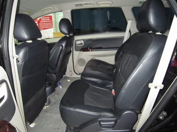 Cần bán Mitsubishi Grandis đời 2009, màu đen, xe đẹp như mới-8