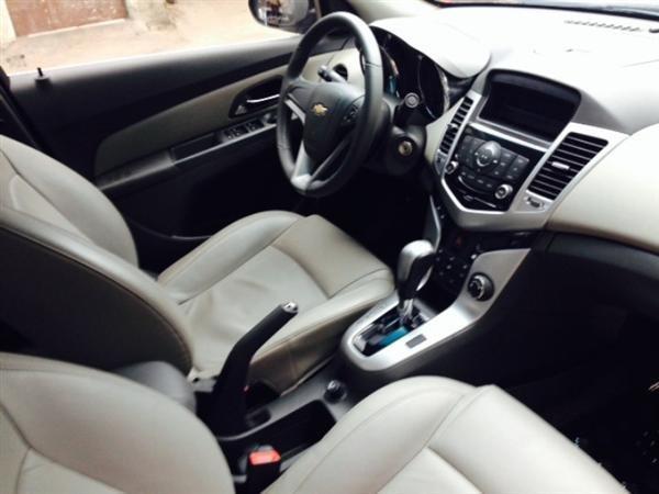 Bán ô tô Chevrolet Cruze đời 2012, màu đen số tự động-2