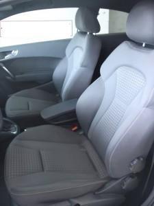 Cần bán Audi A1 đời 2010, màu trắng, xe nhập số tự động  -3
