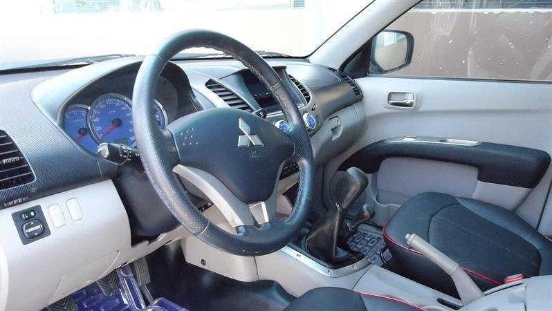 Mitsubishi Triton năm 2009, nhập khẩu chính hãng  -4