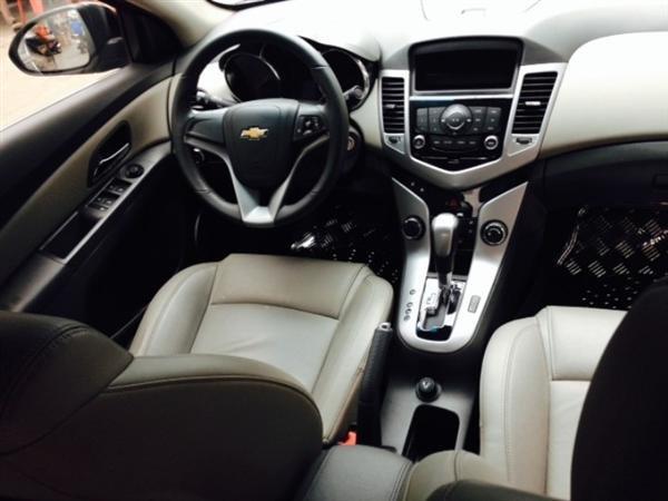 Chevrolet Cruze đời 2012, màu đen còn mới-3