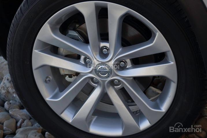 La-zăng đa chấu của Nissan Juke 2015.