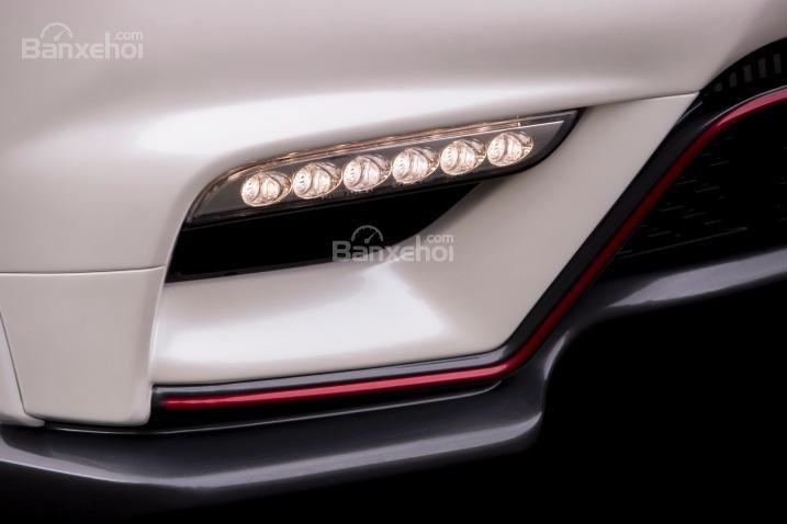 Đèn ban ngày của Nissan Juke 2015 dạng LED.