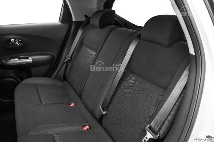Hàng ghế sau của Nissan Juke 2015.